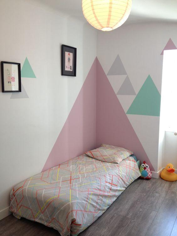 parede geométrica quarto infantil