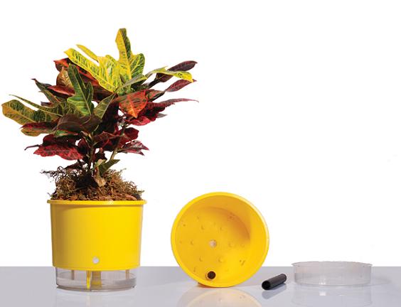 vasos autoirrigáveis jardim vertical
