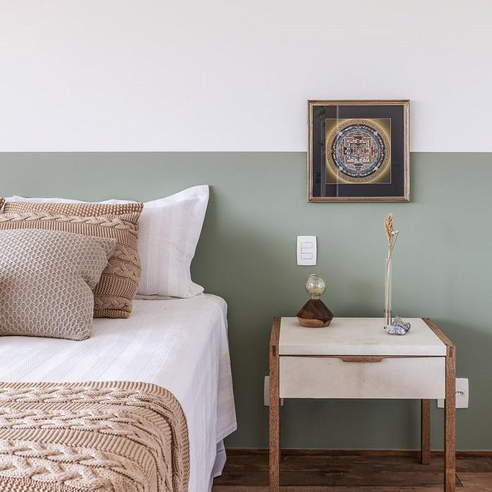meia parede pintada no quarto