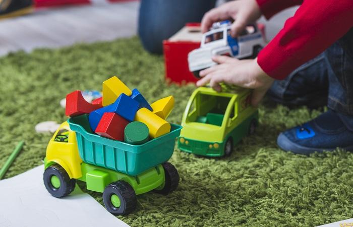 como organizar brinquedos em casa